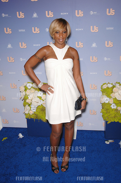 Mary J. Blige at Us Weekly Magazine's Hot Hollywood Party at Opera nightclub in Hollywood..September 27, 2007  Los Angeles, CA.Picture: Paul Smith / Featureflash