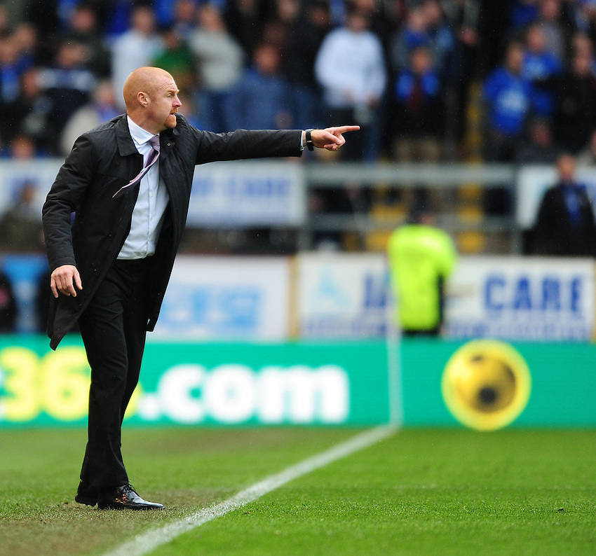 Burnley manager Sean Dyche shouts instructions to his team from the dug-out<br /> <br /> Photographer Chris Vaughan/CameraSport<br /> <br /> Football - Barclays Premiership - Burnley v Leicester City - Saturday 25th April 2015 - Turf Moor - Burnley<br /> <br /> &copy; CameraSport - 43 Linden Ave. Countesthorpe. Leicester. England. LE8 5PG - Tel: +44 (0) 116 277 4147 - admin@camerasport.com - www.camerasport.com