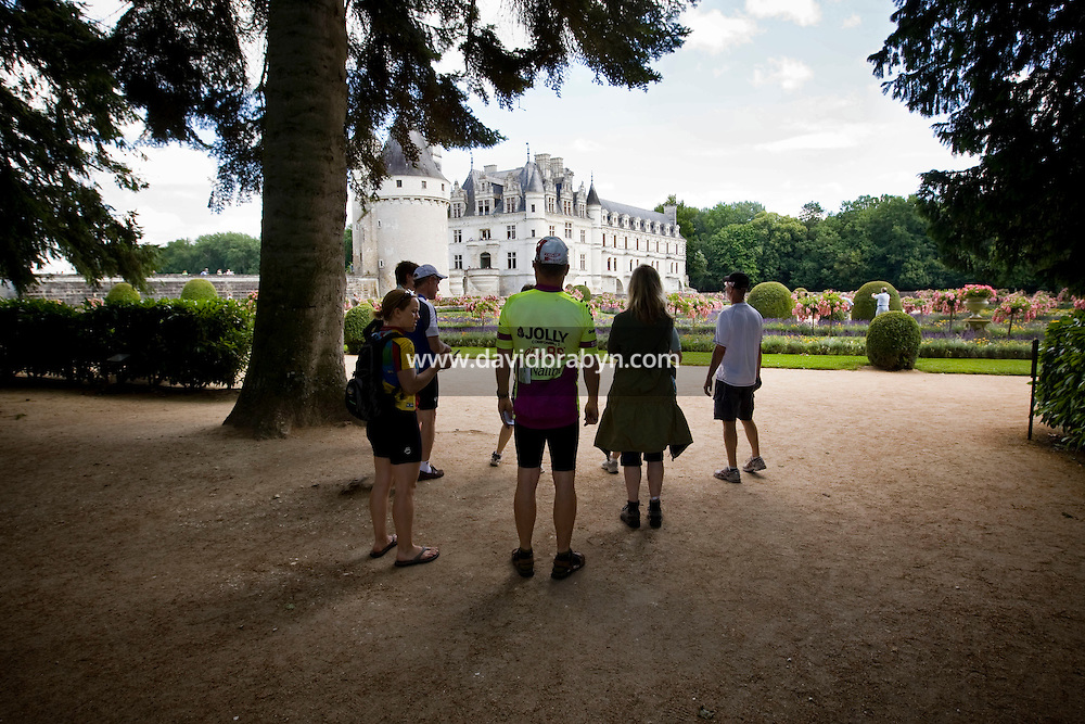 Participants in a Backroads cycle tour of the Loire Valley visit the Chenonceau castle in Chenonceaux, France, 25 June 2008.