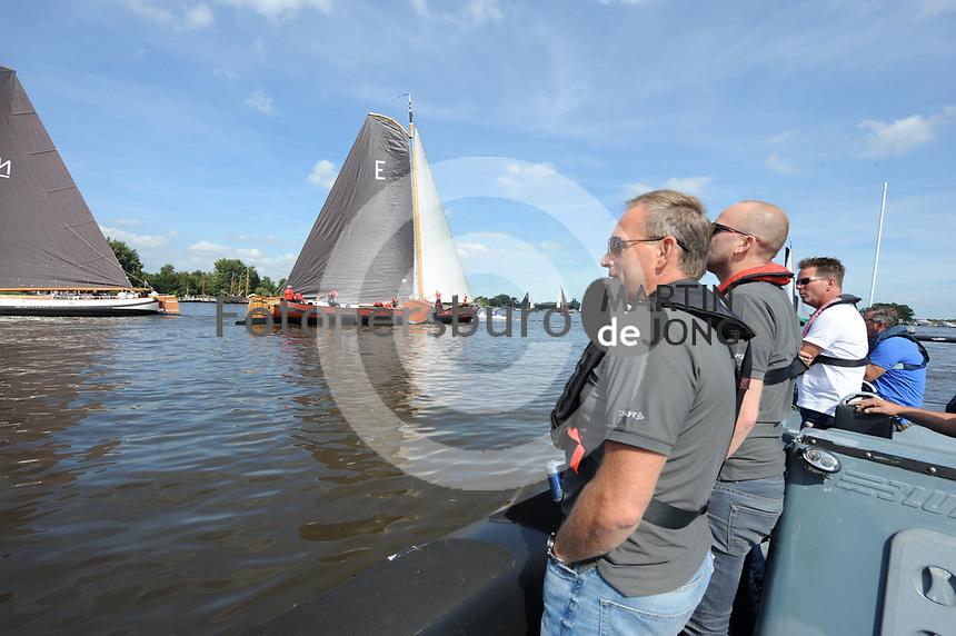 ZEILSPORT: DE VEENHOOP: 07-08-2017, SKS Skûtsjesilen, SKS-voorzitter René Nagelhout, ©foto Martin de Jong