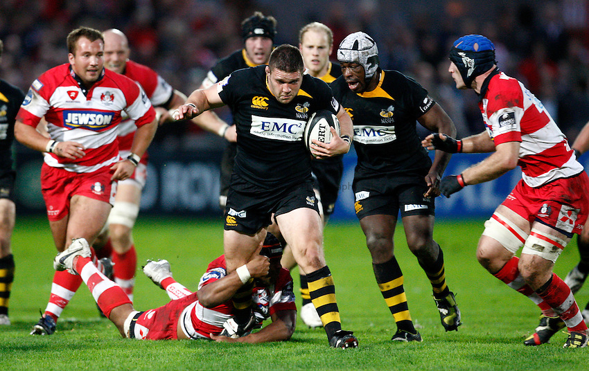 Photo: Richard Lane/Richard Lane Photography. Gloucester Rugby v London Wasps. Guinness Premiership. 24/10/2009. Wasps' Ben Broster attacks.