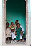 Father & children, Djenne, Mali