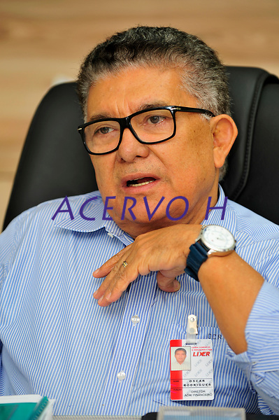 Empres&aacute;rio Oscar Rodrigues, do grupo Lider, durante entrevista.<br />&copy; Mauro Angelo