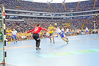 Hans Lindberg (HSV) gegen Niklas Landin Jacobsen (Löwen) - Tag des Handball, Rhein-Neckar Löwen vs. Hamburger SV, Commerzbank Arena