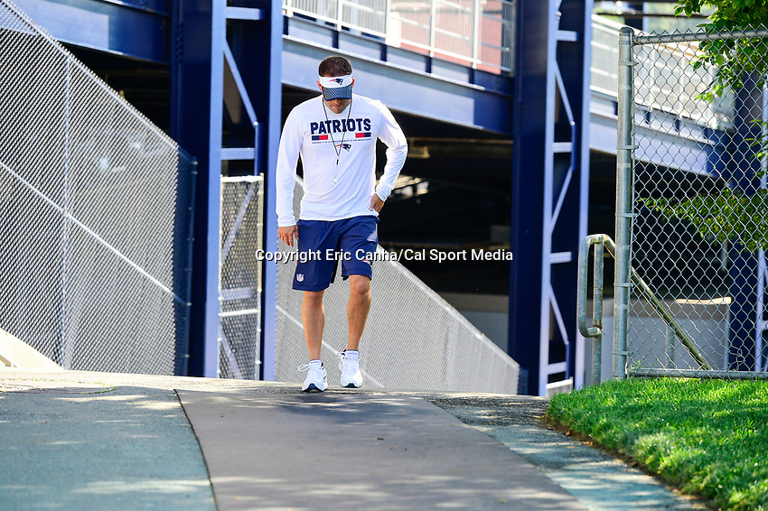 July 28, 2017: New England Patriots offensive coordinator Josh McDaniels walks to the practice fields for the New England Patriots training camp held at Gillette Stadium, in Foxborough, Massachusetts. Eric Canha/CSM