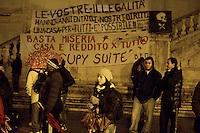 Roma,10 Dicembre 2012.Piazza del Campidoglio.I movimentiper il diritto all'abitare in assemblea nella piazza durante il consiglio comunale, contro gli sgomberi delle occupazioni, per una politica giusta sul diritto alla casa...