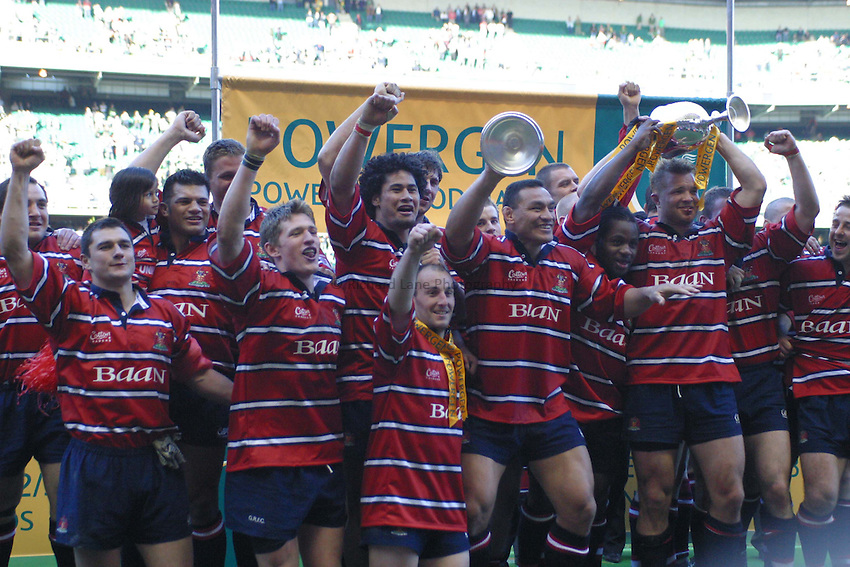 Photo. Jo Caird.Gloucester v Northampton Saints. Powergen Cup Final. 05/04/2003.Gloucester celebrate with the trophy.