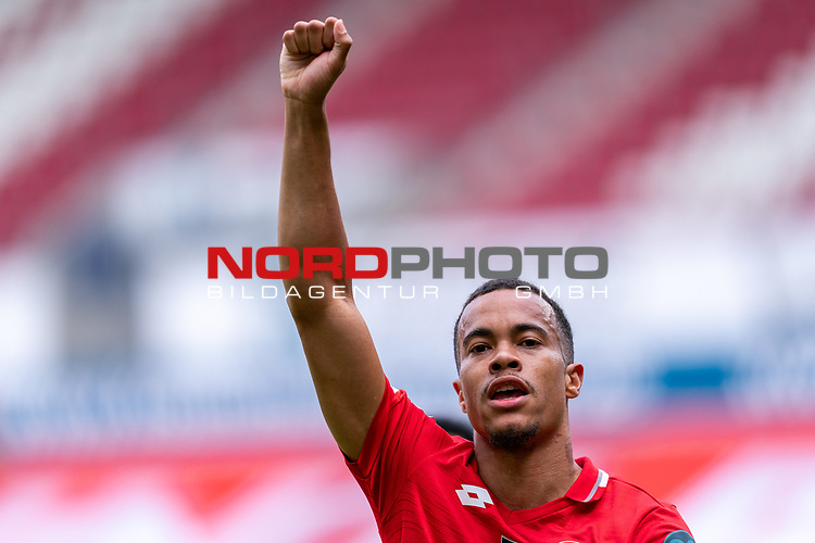 Jubel Jean-Paul Boëtius / Boetius (FSV Mainz 05 #05)<br /> <br /> <br /> Sport: nphgm001: Fussball: 1. Bundesliga: Saison 19/20: 33. Spieltag: 1. FSV Mainz 05 vs SV Werder Bremen 20.06.2020<br /> <br /> Foto: gumzmedia/nordphoto/POOL <br /> <br /> DFL regulations prohibit any use of photographs as image sequences and/or quasi-video.<br /> EDITORIAL USE ONLY<br /> National and international News-Agencies OUT.