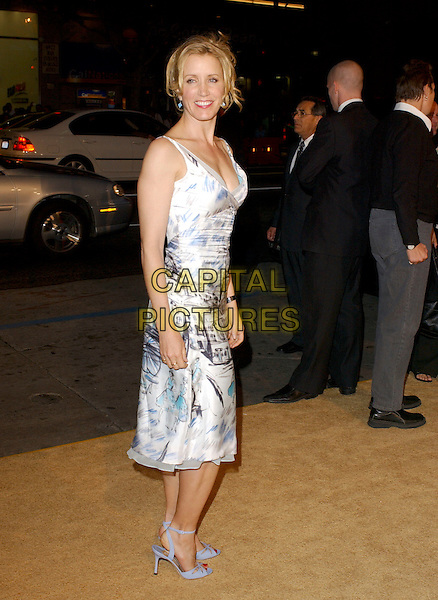 "FELICITY HUFFMAN.Attend Paramount Pictures' Los Angeles Premiere of ""Sahara"" held at The Grauman's Chinese Theatre in Hollywood, Los Angeles, California, USA,.April 4th 2005..full length white blue printed dress shoes.Ref: DVS.www.capitalpictures.com.sales@capitalpictures.com.©Debbie VanStory/Capital Pictures"