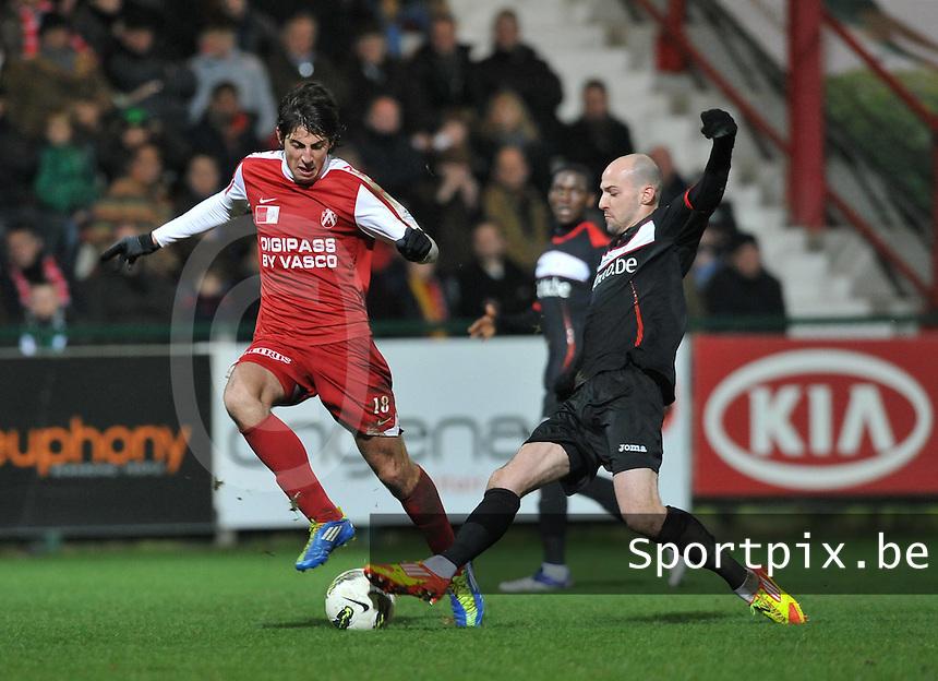 KV Kortrijk - Standard de Liege - Luik : Laurent Ciman met de tackle op Pablo Chavarria.foto VDB / BART VANDENBROUCKE