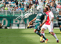 S&Atilde;O PAULO,SP, 14 JANEIRO 2011 - AMISTOSO PALMEIRAS X AJAX (HOL)<br /> Ricardo Bueno (e) durante  partida entre as equipes do Palmeiras X Ajax (hol) realizada no  Est&aacute;dio Paulo Machado de Carvalho (Pacaembu) na zona oeste de S&atilde;o Paulo, neste Sabado (14). (FOTO: ALE VIANNA - NEWS FREE).