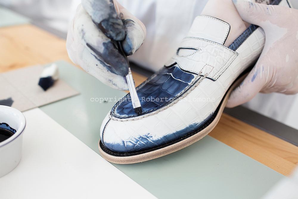 the best attitude 665f0 27a65 santoni-shoes-italy026.jpg   roberto salomone documentary ...