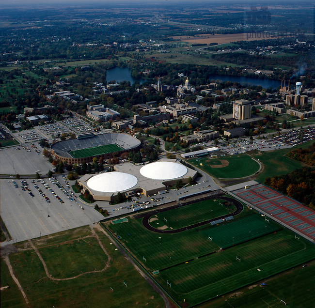GPHR co/0418:  Aerial view of campus, c1982.  Image from the University of Notre Dame Archives.