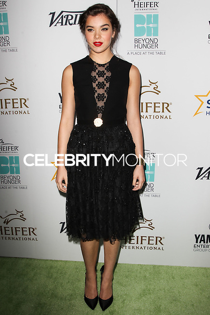 BEVERLY HILLS, CA, USA - AUGUST 22: Hailee Steinfeld at the 3rd Annual 'Beyond Hunger: A Place At The Table' Gala held at the Montage Hotel Beverly Hills on August 22, 2014 in Beverly Hills, California, United States. (Photo by Celebrity Monitor)