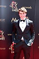 LOS ANGELES - MAY 5:  William Lipton at the 2019  Daytime Emmy Awards at Pasadena Convention Center on May 5, 2019 in Pasadena, CA