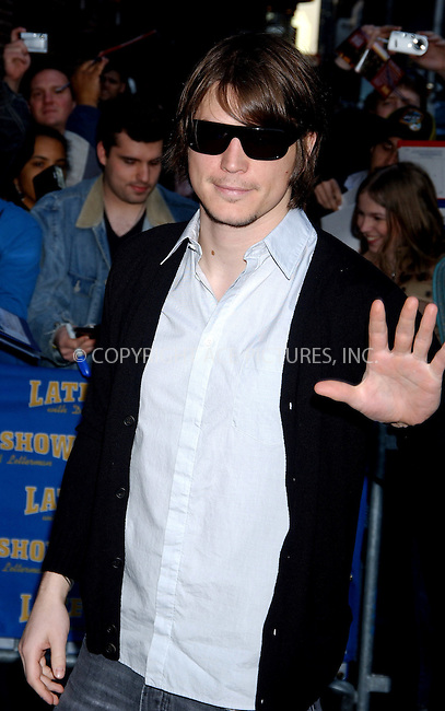 WWW.ACEPIXS.COM . . . . .  ....NEW YORK, MARCH 29, 2006....Josh Hartnett stops for an appearance at the Late Show with David Letterman.....Please byline: AJ Sokalner - ACEPIXS.COM.... *** ***..Ace Pictures, Inc:  ..Philip Vaughan (212) 243-8787 or (646) 769 0430..e-mail: info@acepixs.com..web: http://www.acepixs.com