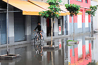 Street João Jacinto Neighborhood Bras in the city of Sao Paulo full of water on the morning of this Thursday, December 20th after dawn downpour. PHOTO: ADRIANO LIMA / BRAZIL PHOTO PRESS).