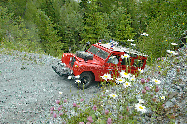 Austria, Boesenstein Offroad Classic, Hohentauern, Steiermark, 25-26.06.2005. Land Rover Serie 2a 109 Station Wagon LWB as a fire engine with pump mounted to front, conversion by Rosenbauer (Rosenbauer Feuerwehr), Reg: BL444AH. --- No releases available. Automotive trademarks are the property of the trademark holder, authorization may be needed for some uses.