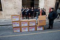 Roma 11  Dicembre 2013<br /> Manifestazione della Fiom, il sindacato dei metalmeccanici, davanti al Ministero dello Sviluppo Economico, dove &egrave; stato costruito il 'muro della crisi', con gli scatoloni. Sulle scatole i nomi delle aziende in crisi con tanto di esuberi previsti, tra cui Selex, Electrolux, Indesi, Fiat Mirafiori.<br /> Rome, December 11, 2013<br /> Demostration of Fiom, the metalworkers union, in front of the Ministry of Economic Development, where it was built the 'wall of crisis', with the boxes. The boxes the names of companies in crisis with much of the projected redundancies, including Selex, Electrolux, Indesit , Fiat Mirafiori.