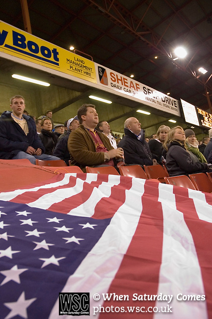 Sheffield United 1 Reading 1, 14/02/2006. Bramall Lane, Championship. Reading fans with Stars and Stripes. Photo by Paul Thompson.
