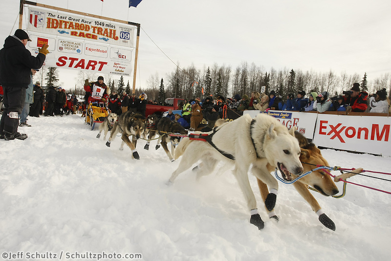Mitch Seavey team leaves the start line on Sunday during the restart day of Iditarod 2009 in Willow , Alaska