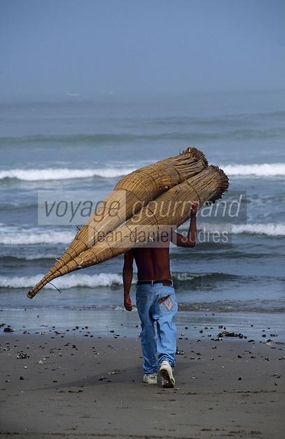 Amérique/Amérique du Sud/Pérou/Env de Chiclayo/Pimentel : Départ des pêcheurs