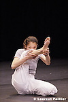 Solum au Centre National de la Danse - Pantin....Chorégraphie et interprétation..Mustafa Kaplan..Filiz Sizanli....Coproduction..Cie Inbilico..CND - Pantin
