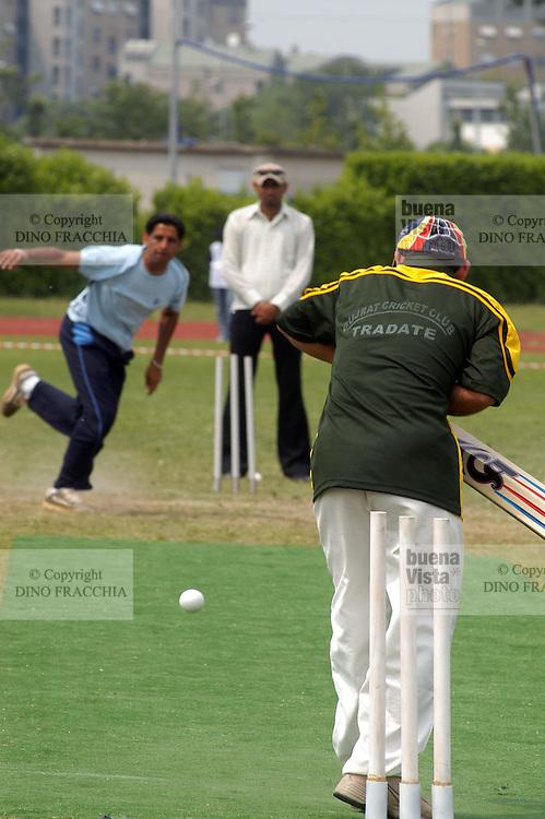 """- """"cricket senza frontiere"""", torneo nazionale di cricket organizzato dalle associazioni di immigrati pakistani in Italia....- """"cricket without frontiers"""", national championship of cricket organized by Pakistan immigrates associations in Italy.."""