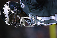 12 December 2004: Terrell Owens.<br />The Philadelphia Eagles defeated the Washington Redskins 17-14 December 12, 2004 at FedEx Field in Landover MD.<br />Mandatory Credit: Randy Litzinger