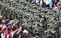 BOGOTA - COLOMBIA - 20-07-2015: Desfile militar del 20 de julio , miembros del Ejercito Nacional ,  Armada , Fuerza Aerea y Policia Nacional desfilaron por la Avenida 68 de la capital de la Republica./. Military parade on July 20, members of the National, Navy, Air Force and Army National Police marched down Avenida 68 in the capital of the Republic.  Photo: VizzorImage / Felipe Caicedo / Staff.