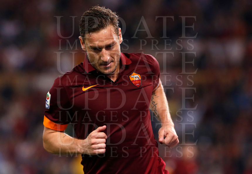 Calcio, Serie A: Roma vs Palermo. Roma, stadio Olimpico, 31 maggio 2015.<br /> Roma&rsquo;s Francesco Totti celebrates after scoring during the Italian Serie A football match between Roma and Palermo at Rome's Olympic stadium, 31 May 2015.<br /> UPDATE IMAGES PRESS/Riccardo De Luca