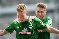 FUSSBALL   1. BUNDESLIGA   SAISON 2012/2013    32. SPIELTAG SV Werder Bremen - TSG 1899 Hoffenheim             04.05.2013 Kevin De Bruyne (SV Werder Bremen) bejubelt mit Aaron Hunt (re, beide SV Werder Bremen) seinen Treffer zum 1:0