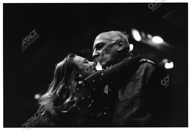 3:40 a.m., El Beso,  Buenos Aires, Argentina, March 2000