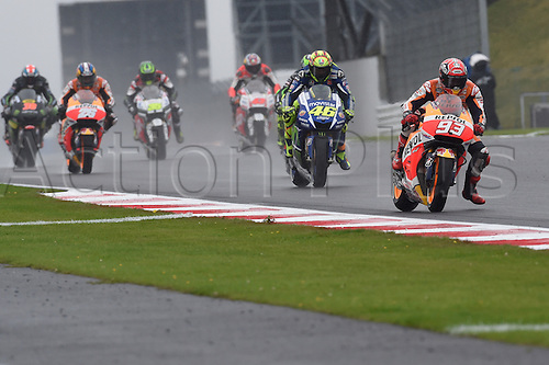 30.08.2015. Silverstone, Northants, UK. OCTO British Grand Prix. Marc MArquez (Repsol Honda), Valentino Rossi (Movistar Yamaha) battle for the lead during the race.