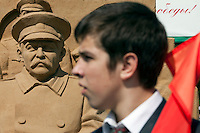 Moscow, Russia, 07/05/2010..A statue of Stalin made of sand in a central Moscow park for Victory Day celebrations.