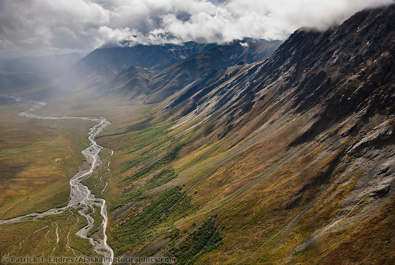 Hammond River, Brooks Range mountains, Gates of the Arctic National Park, Alaska.