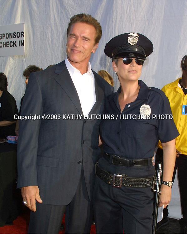 ©2003 KATHY HUTCHINS / HUTCHINS PHOTO.DREAM HALLOWEEN BENEFIT.SANTA MONICA, CA.OCTOBER 25, 2003..ARNOLD SCHWARZENEGGER.(GOVERNOR ELECT OF CALIF).JAMIE LEE CURTIS