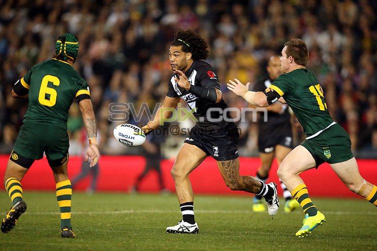 Adam Blair on the run from Michael Morgan and Johnathan Thurston<br /> Trans Tasman NZRL Kiwis v Australia Test Match at Hunter Stadium, Newcastle, Australia. Friday 6 May 2016. Photo: Paul Seiser / www.photosport.nz / SWpix.com