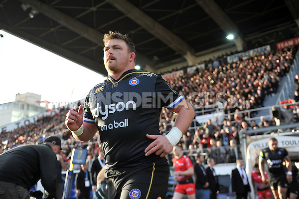 David Wilson and the rest of the Bath Rugby team run out onto the field. European Rugby Champions Cup match, between RC Toulon and Bath Rugby on January 10, 2016 at the Stade Mayol in Toulon, France. Photo by: Patrick Khachfe / Onside Images