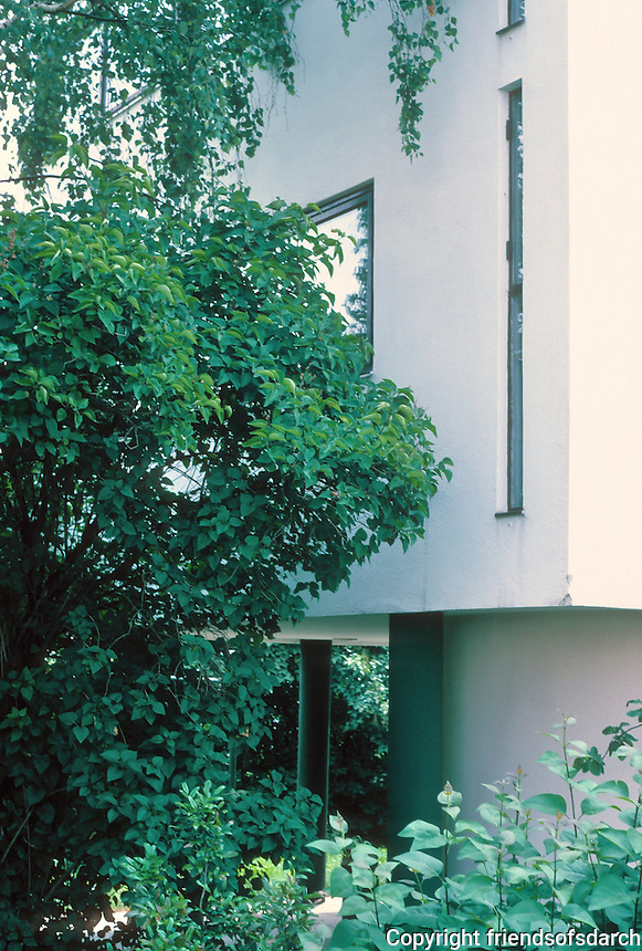Stuttgart: Le Corbusier. Detail--north side of single family house.