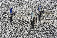Regatta Segeln im Muehlenberger Loch: EUROPA, DEUTSCHLAND, HAMBURG,(EUROPE, GERMANY), 11.11.2012: Regatta Segeln im Muehlenberger Loch, Hamburg,  Elbe, Jolle, Segel, Wind, Welle, Schatten, ..
