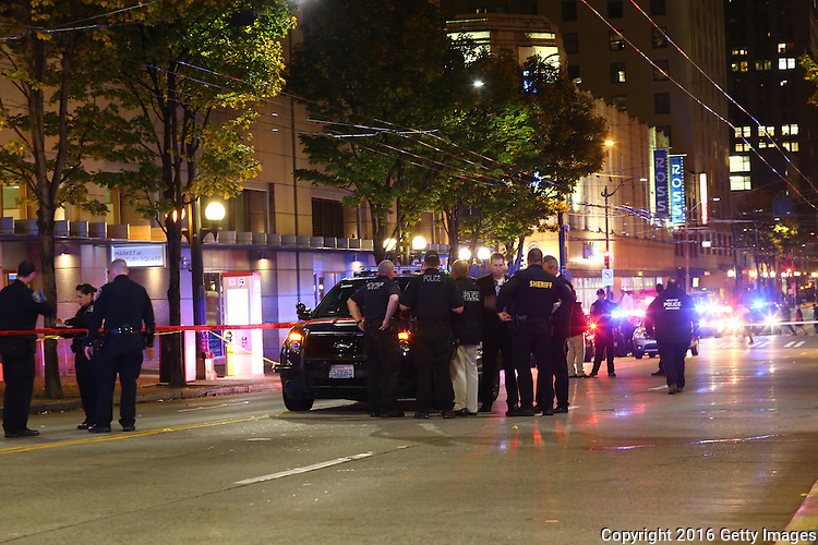 SEATTLE, WA - NOVEMBER 09: Police respond after five people were shot near Pine Street and Third Avenue on November 9, 2016 in Seattle, Washington. (Photo by Karen Ducey/Getty Images)