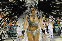 RIO DE JANEIRO, RJ, 21 DE FEVEREIRO DE 2012 - Desfiles das Escolas de Samba do Grupo Especial -  A atriz e apresentadora Luciana Gimenez, durante o desfile da escola  de samba Grande rio, na Marquês de Sapucaí. FOTO GLAICON EMRICH - AGÊNCIA BRAZIL PHOTO PRES