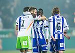 Solna 2014-03-31 Fotboll Allsvenskan AIK - IFK G&ouml;teborg :  <br /> G&ouml;teborgs Malick Man&eacute; Mane jublar med G&ouml;teborgs m&aring;lvakt John Alvb&aring;ge efter slutsginalen<br /> (Foto: Kenta J&ouml;nsson) Nyckelord:  AIK Gnaget Solna IFK G&ouml;teborg Bl&aring;vitt jubel gl&auml;dje lycka glad happy