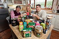 Pictured L-R: Alan, Sarah and James Wenden. Monday 05 November 2018<br /> Re: Welsh Brew Tea in Langland, Swansea, Wales, UK