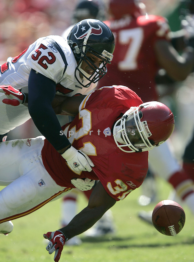 Moran Norris during the Houston Texans. v. Kansas City Chiefs game September 26, 2004...Dilip Vishwanat / SportPics