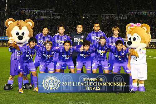Sanfrecce Hiroshima team group line up (Sanfrecce),  <br /> DECEMBER 5, 2015 - Football / Soccer : <br /> 2015 J.League Championship Final 2nd leg match<br /> between Sanfrecce Hiroshima - Gamba Osaka<br /> at Hiroshima Big Arch in Hiroshima, Japan.<br /> (Photo by Shingo Ito/AFLO SPORT)