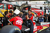 Doug Kalitta, Mac Tools, top fuel, crew, pits