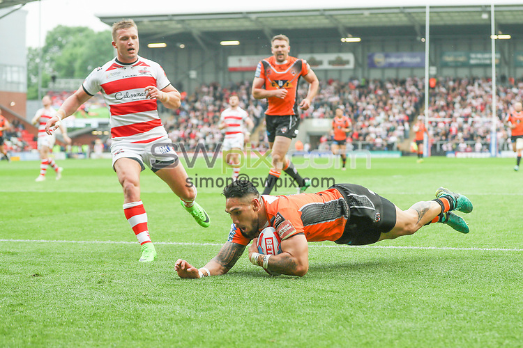 Picture by Paul Currie/SWpix.com - 29/05/2017 - Rugby League - Betfred Super League - Leigh Centurions v Castleford Tigers - Leigh Sports Village, Leigh , England - Jesse Sene-Lefao of Castleford Tigers scores the 1st try