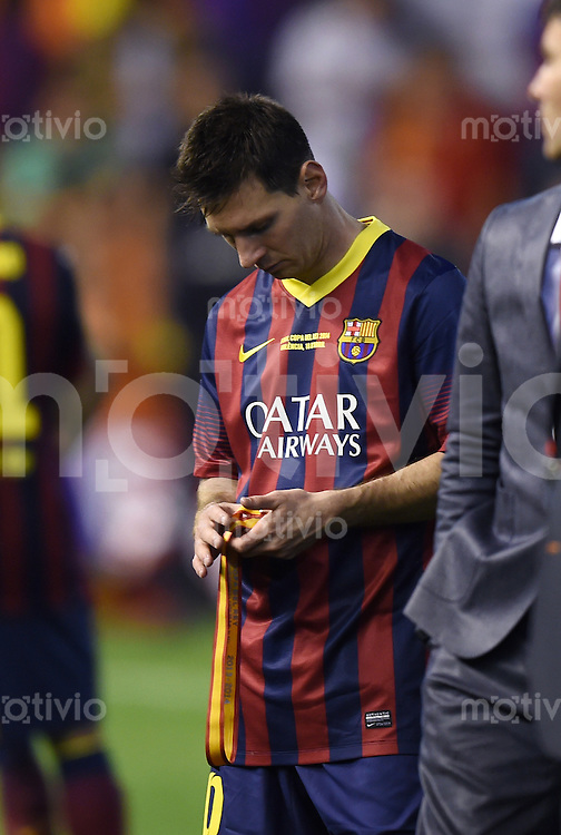 FUSSBALL  INTERNATIONAL Copa del Rey FINALE  2013/2014    FC Barcelona - Real Madrid            16.04.2014 Enttaeuschung Barca; Lionel Messi
